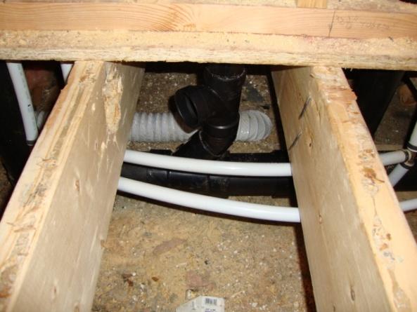 Toilet vent and bath tub drain, Help-dsc00846.jpg