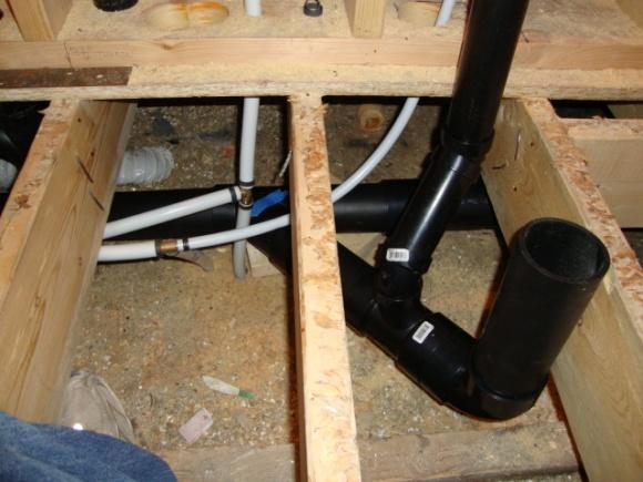Toilet vent and bath tub drain, Help-dsc00855.jpg