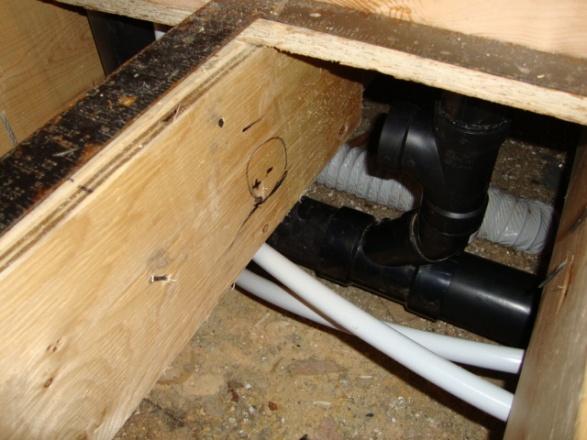 Toilet vent and bath tub drain, Help-dsc00858.jpg