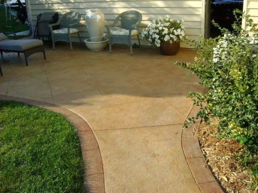 updated pics of stamped concrete curing-dsc00921r.jpg
