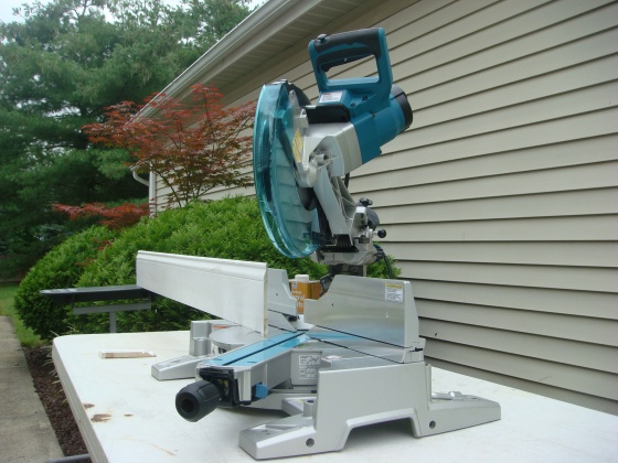 Makita new miter saw two rail system flawed?-dsc01176.jpg