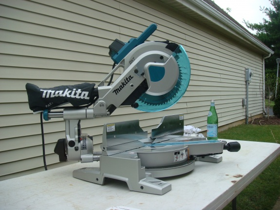 Makita new miter saw two rail system flawed?-dsc01177.jpg