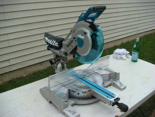 Makita new miter saw two rail system flawed?-dsc01178.jpg