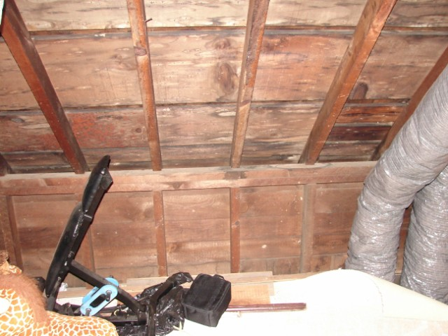 Insulating walkin attic-dsc01847-.jpg