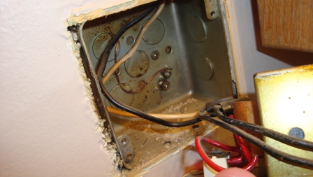 Old Bathroom - all electrical on one circuit? how to change?-dsc02345.jpg