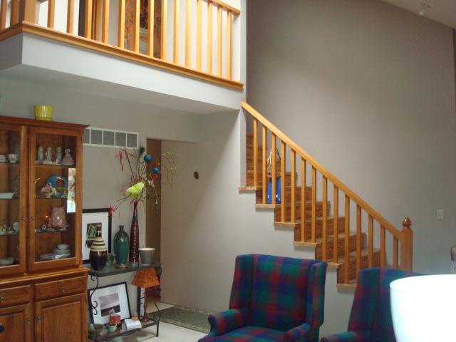 Finishing 20yr old pine stairs-dsc02765.jpg