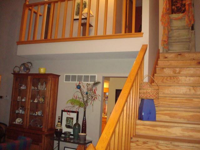 Finishing 20yr old pine stairs-dsc02797.jpg
