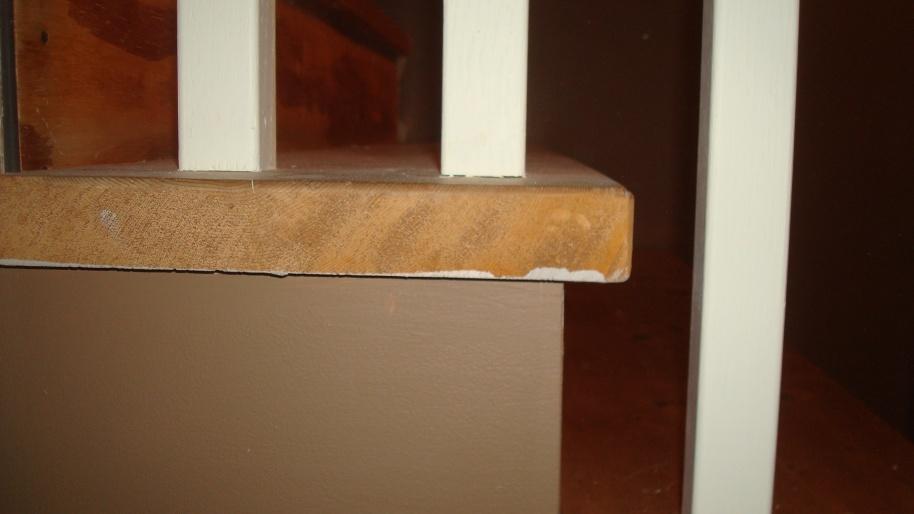 Finishing 20yr old pine stairs-dsc03514.jpg