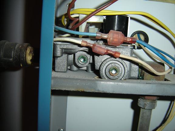 How to turn down my hot water heater? [picture attached]-dsc03671_sm.jpg