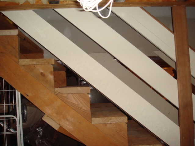 Basement Stair Fininshing Advice / Skirt Board-dsc03801.jpg