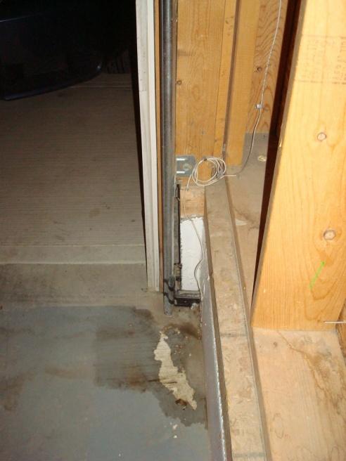 Gap Between Garage Door Frame and Foundation.-dsc05808.jpg