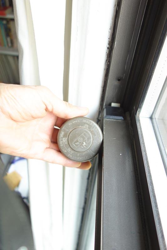 Brown (Non-Metallic) Satin Spray Paint For Aluminum Window Frames ...