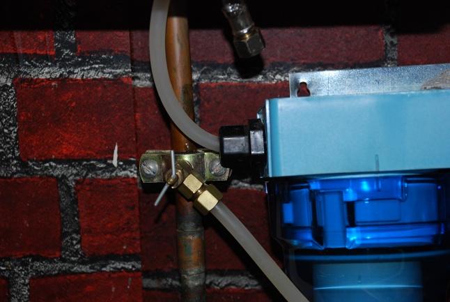 unhooking water filter dohickey-dsc_0050.jpg