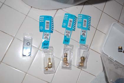 Help IDing mini-widespread faucet cartridge-dsc_82720375adobeshrunk.jpg
