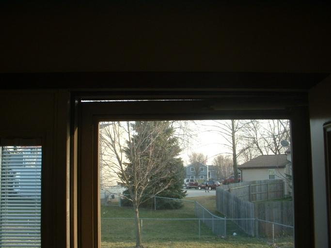 Realigning patio door and repairing screen-dscf0169.jpg