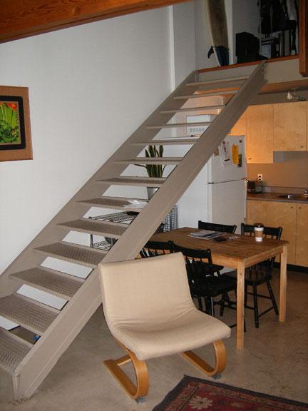 Floating stairs - HELP!-dscf0249_1.jpg