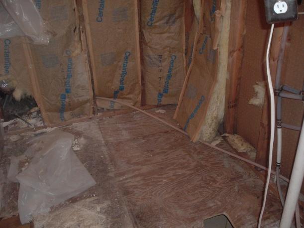 Very strange PEX plumbing, is it a good idea to replace it?-dscf0924.jpg