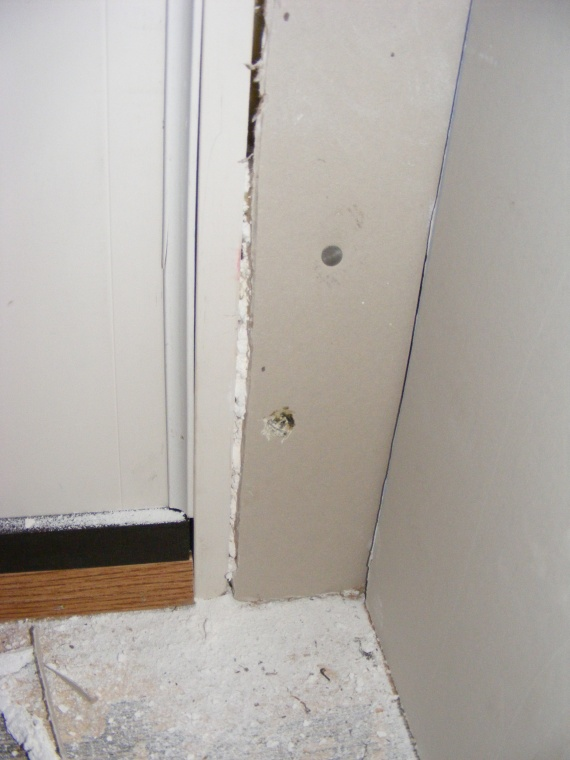 HELP!!Is this the way drywall is hung?-dscf1387.jpg
