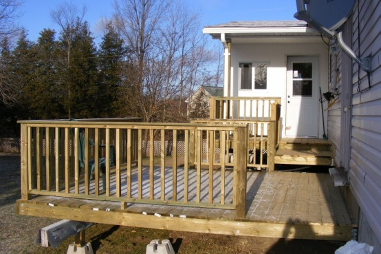 How do I secure deck railings between posts-dscf1582.jpg