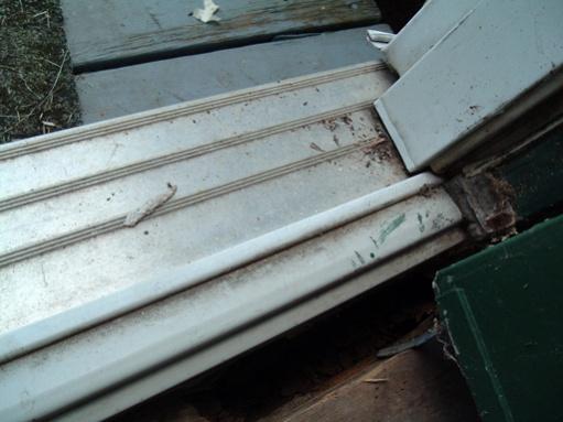 Help! How do I fix rotten wood under door?-dscf2729.jpg