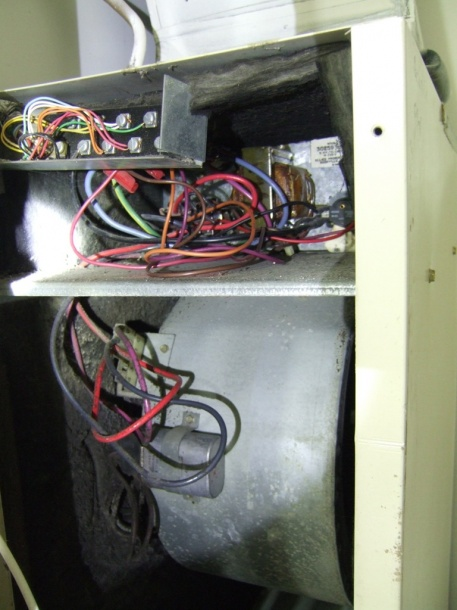 Electric furnace / thermostat-dscf30592.jpg