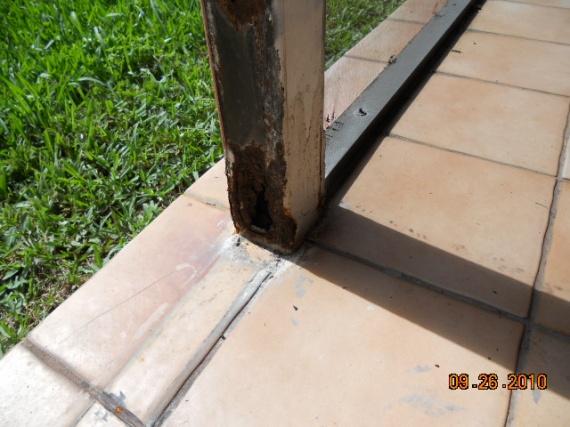 Steel post in concrete-dscn1234.jpg