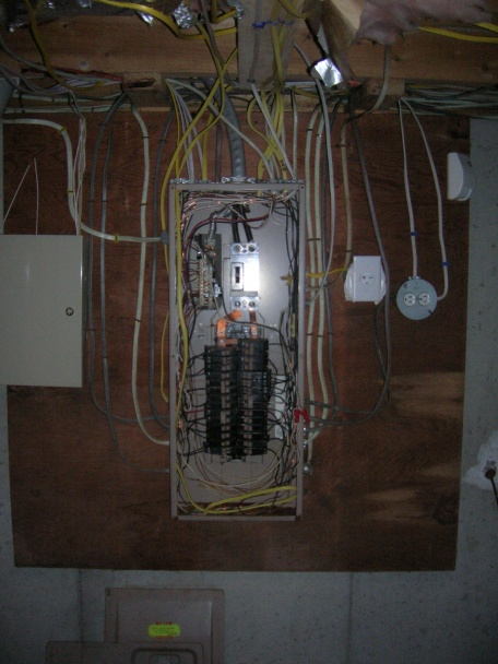 What kind of Circuit breaker??-dscn1285.jpg
