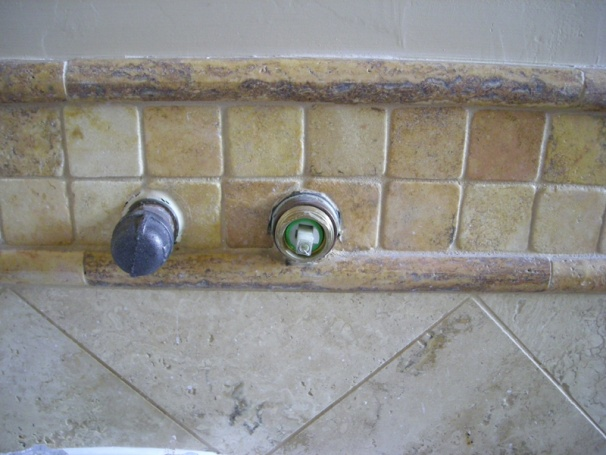 Help identifying wall mount faucet-dscn1415small.jpg