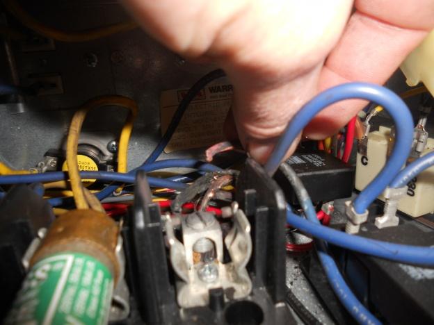 Heil Electric furnace tripping breaker-dscn1790.jpg