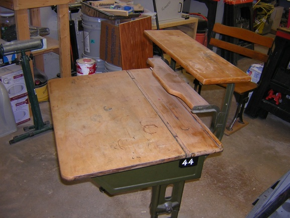 Old flip top school desk-dscn1995.jpg