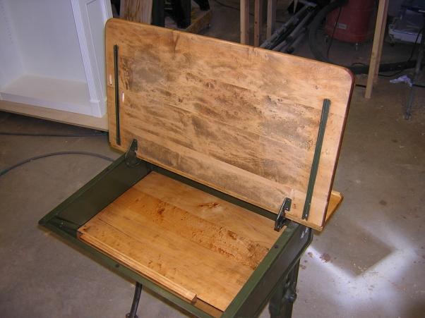 Old flip top school desk-dscn2051.jpg