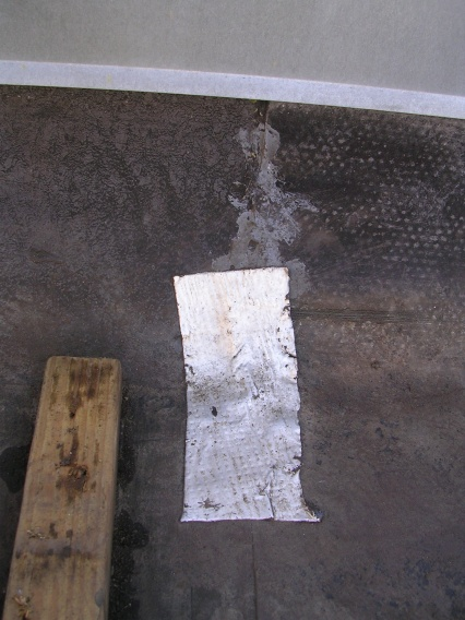 Ceiling water damage below flat roof with EPDM-dscn2146.jpg