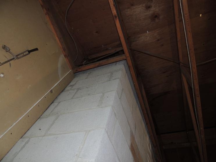 Insulation around chimney?-dscn2526.jpg