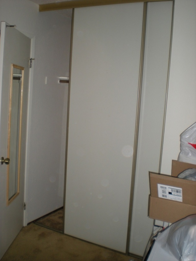 how to remove closet sliding doors-dscn3310.jpg