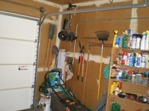 how to open garage door when power is out?-dscn3367.jpg