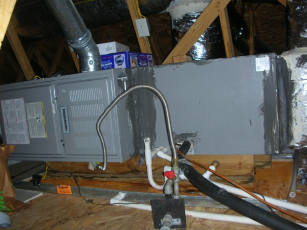 Condensate only drains when blower stops-dscn4802.jpg