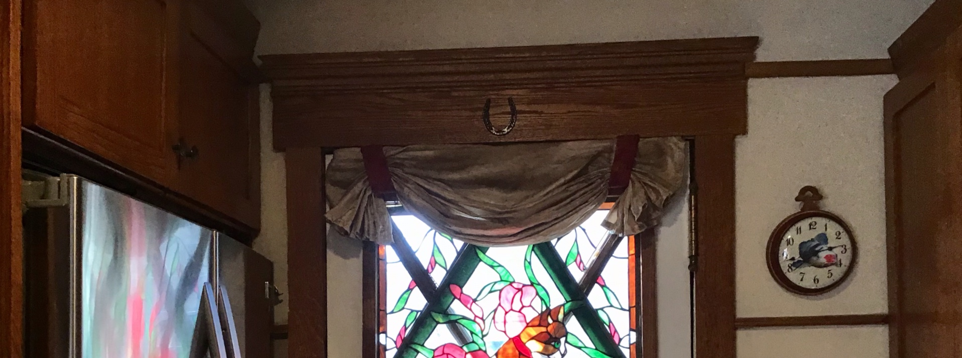 How to install a valance in a bay window.-eb9e7cc5-43bc-421c-b8df-9afad0f6167d.jpeg