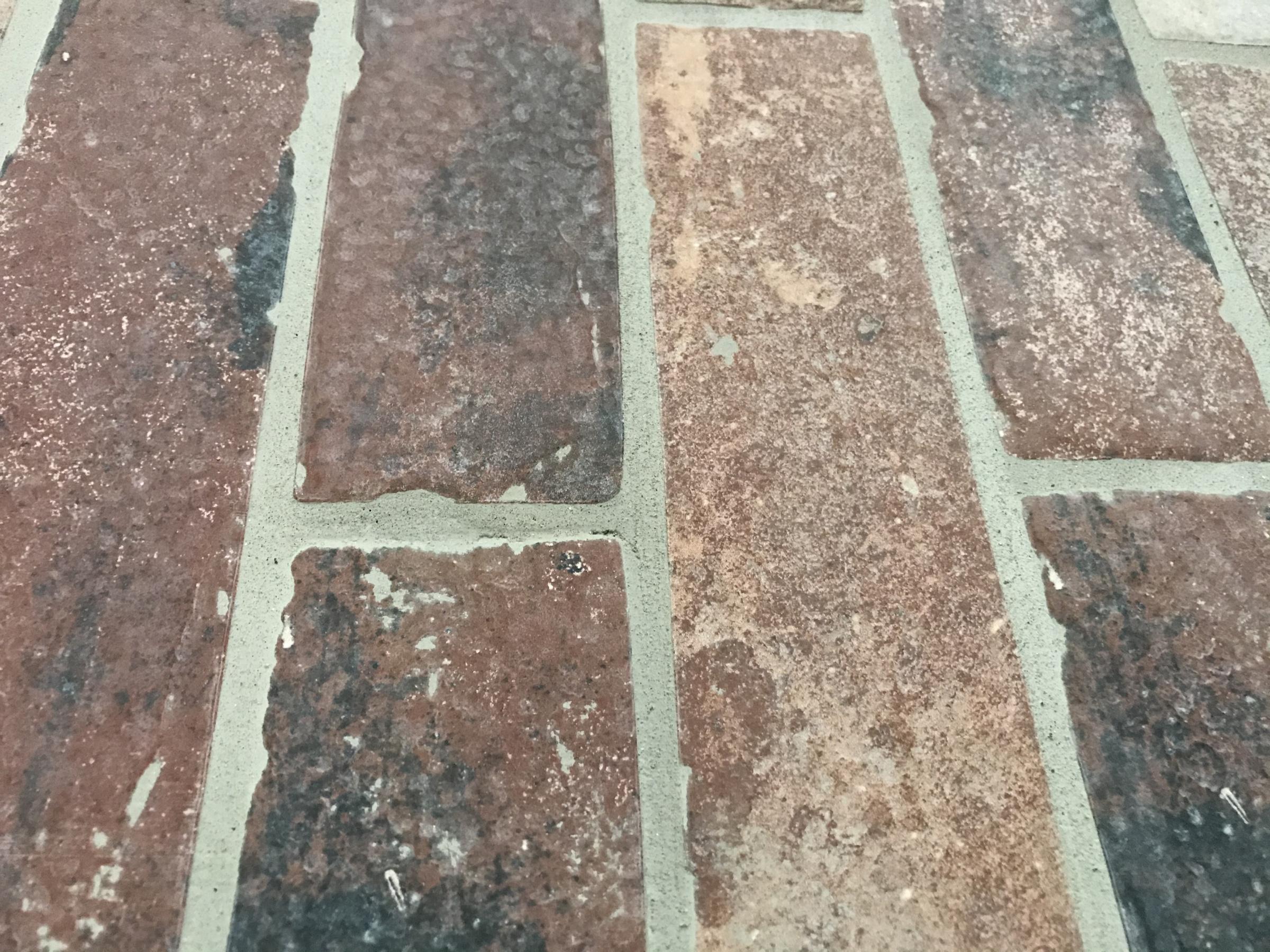 Brick tile on wall-ec5f32b3-1db8-4b2e-a76e-6a7202ab7737.jpg