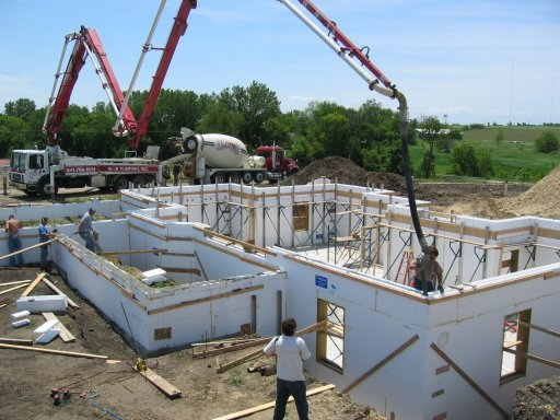 Do you live in an ICF house?-endbasementpour_small.jpg
