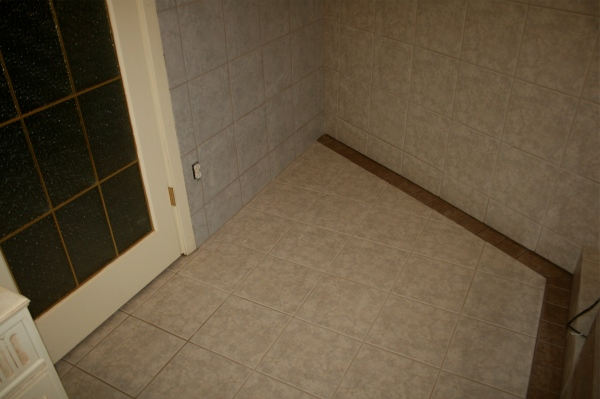 Gulf Island Building.-ensuite-grout.jpg