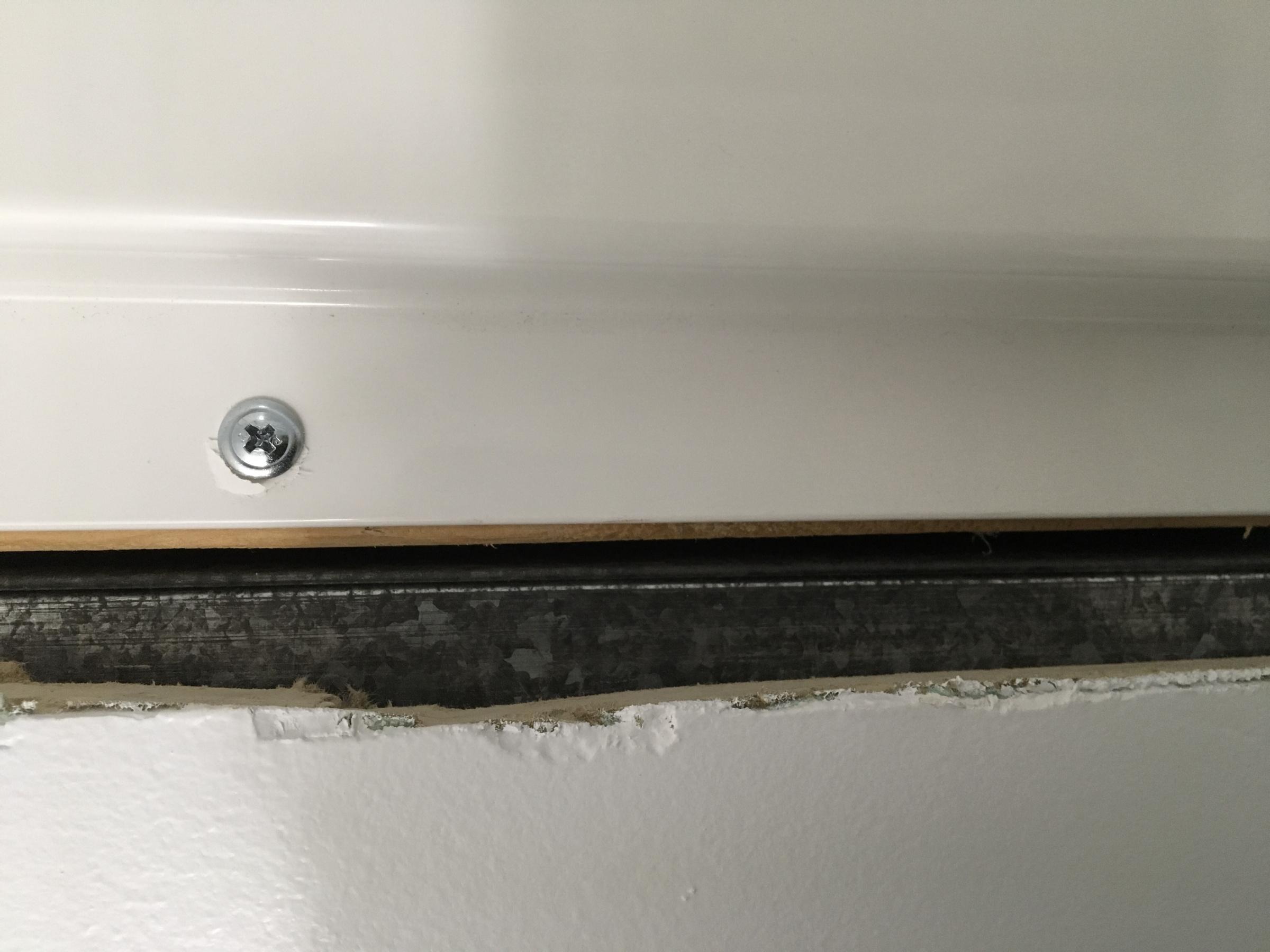 Impossible drywall around tub surround-f921dc2e-c26c-44c5-adc2-40ec49e9dd44.jpg