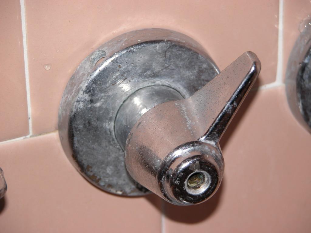 Need help replacing shower diverter valve-faucet2.jpg