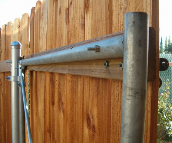 Wood Fence With Metal Post Building Construction Diy Chatroom