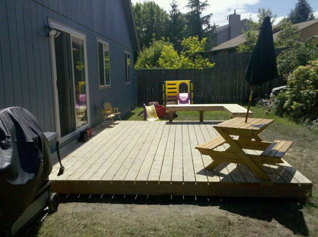 Built-in deck bench-finished-deck-angle-2.jpg