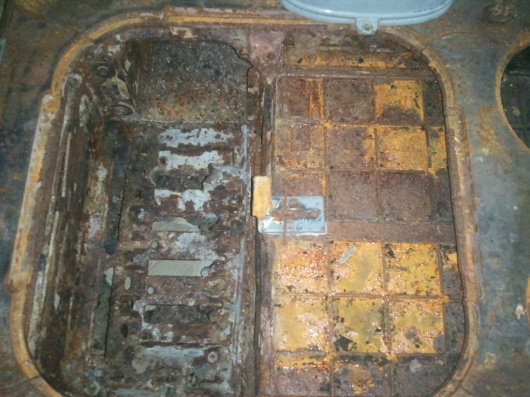 Wood Bishop & Co. Antique cook stove-firebox-top-1024x768-.jpg