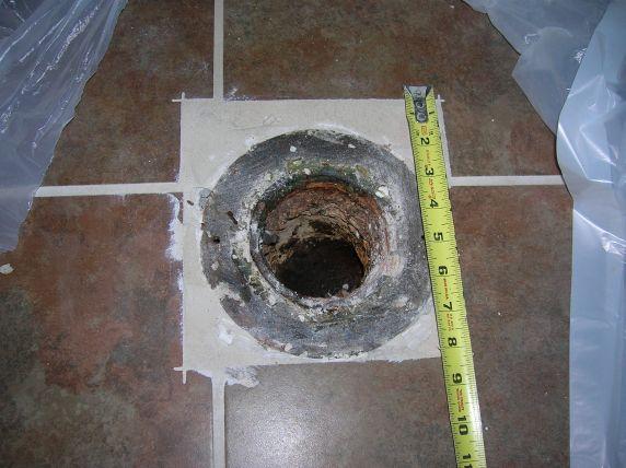 Problem toilet flange-flange.jpg