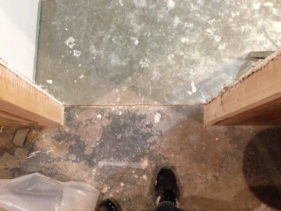 Tile under door frame?-floor-2.jpg