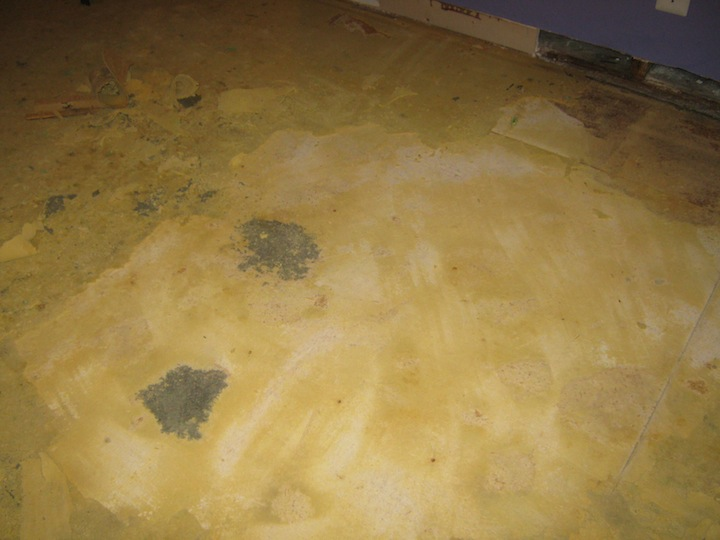 How do I remove part of the damaged subfloor?-floor2.jpg