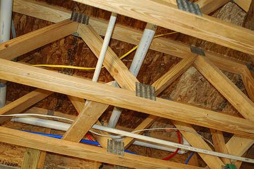 Cut a floor joist?-floor_truss.jpg
