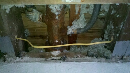 NM wire around pipes-forumrunner_20110614_091115.jpg